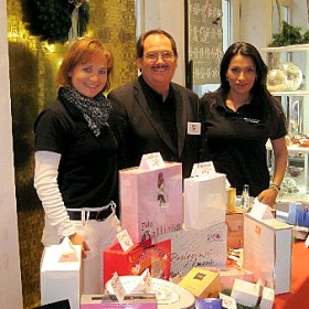 "Parfum Promotion 2012. ""Lebensart by Gilde"" in Straubing. ""Aydan Cosmetics"" in Zusammenarbeit mit ""Aigner Parfums International"""